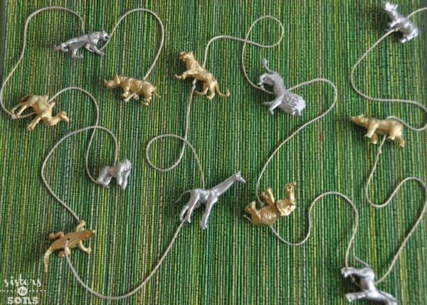 toy animal garland