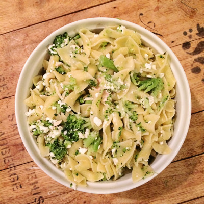 15 Minute Dinner: Pasta with Chicken, Broccoli (plus a secret ingredient!)