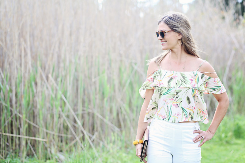summer style, cold shoulder top