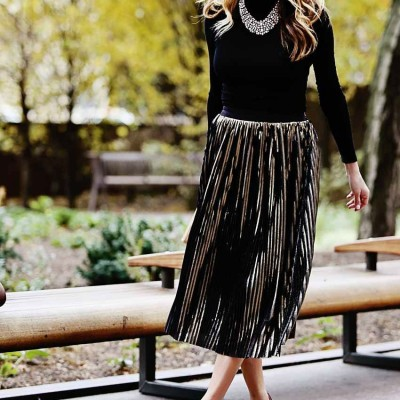 How to Wear the Metallic Pleated Midi Skirt