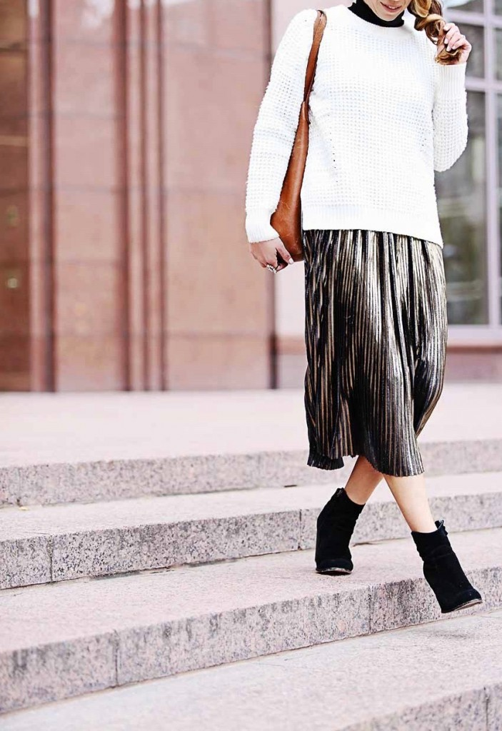 the motherchic wearing madewell sweater and metallic midi