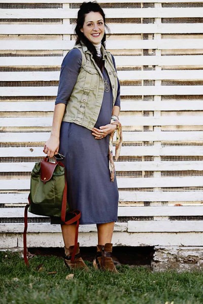 How to Style a Maternity Midi Dress (Hint: LAYERS!)