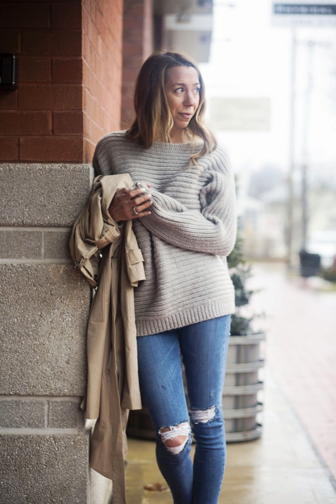 the motherchic wearing nordstrom sweater for valentine's day