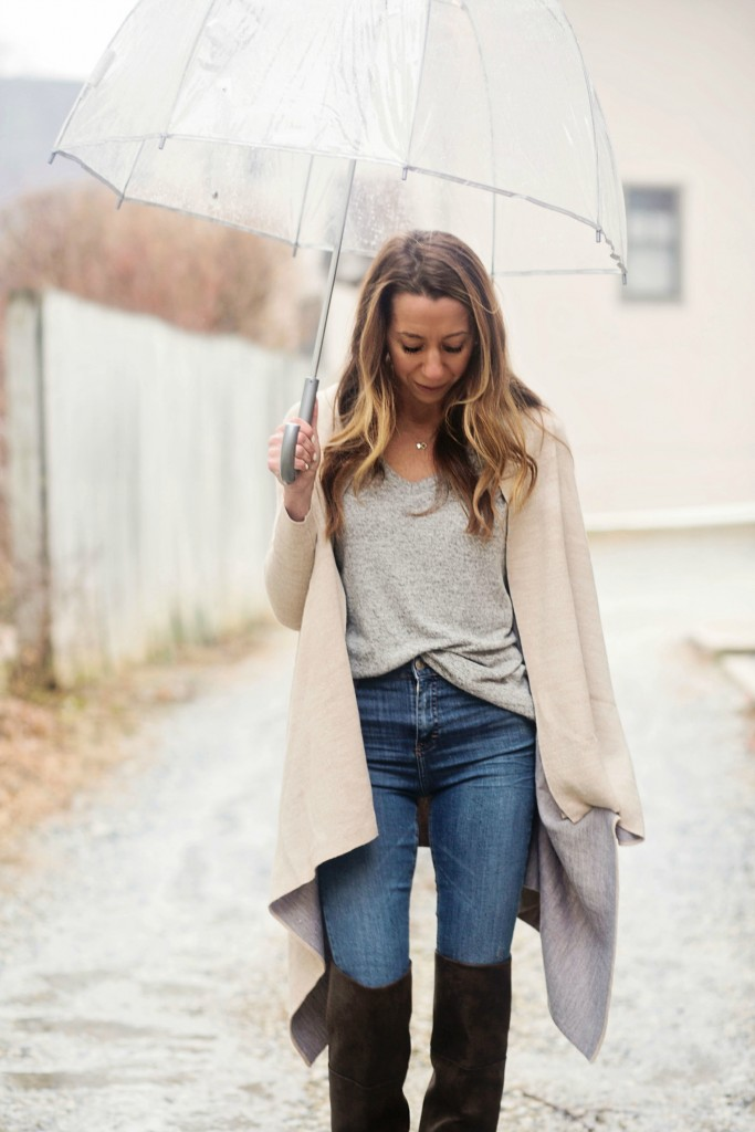 the motherchic wearing nordstrom cardigan