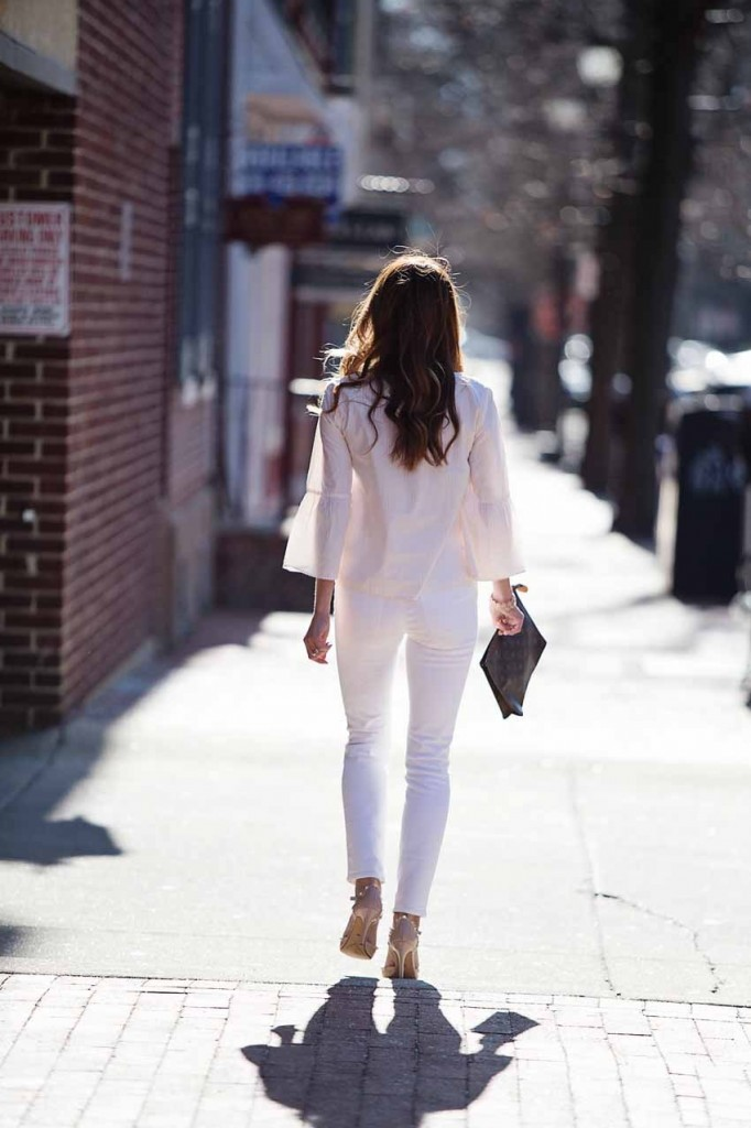 the motherchic wearing madewell high rise white denim