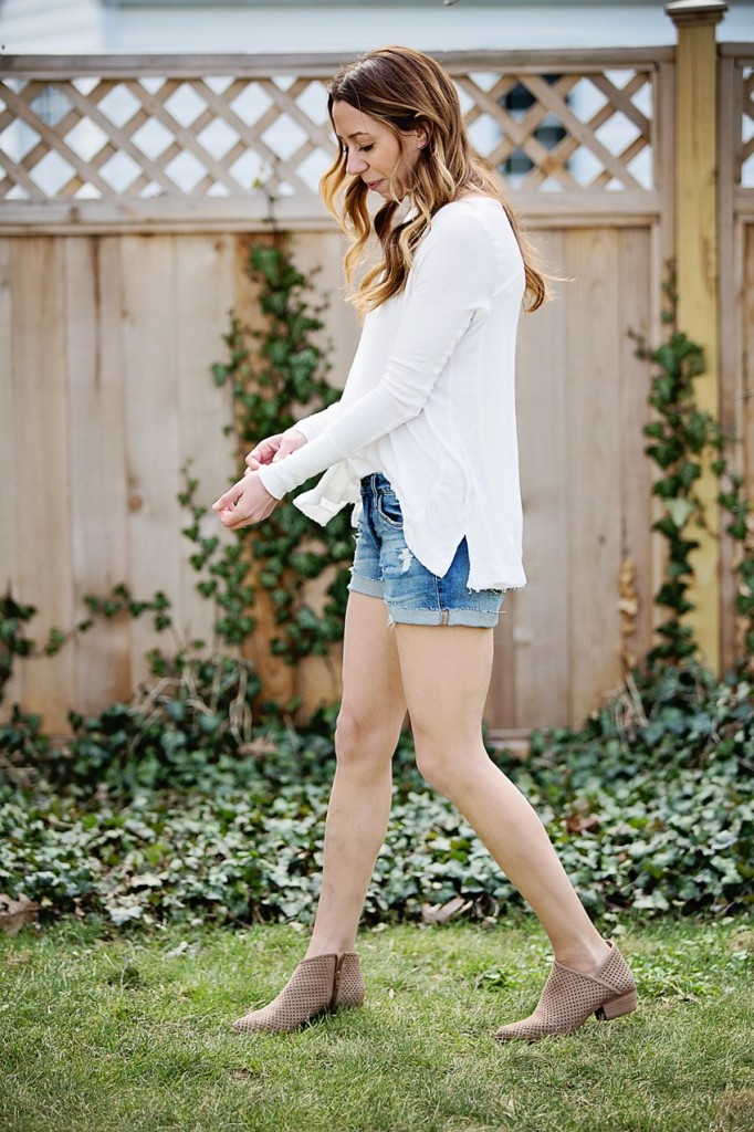 the motherchic wearing social thread blanknyc denim shorts