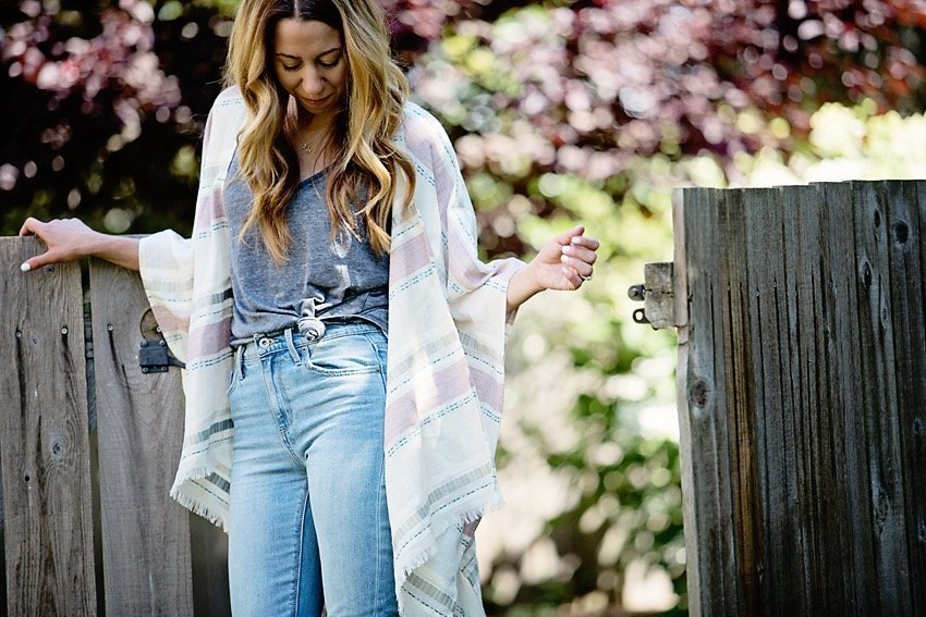 the motherchic wearing lucky brand jeans, tank and kimono
