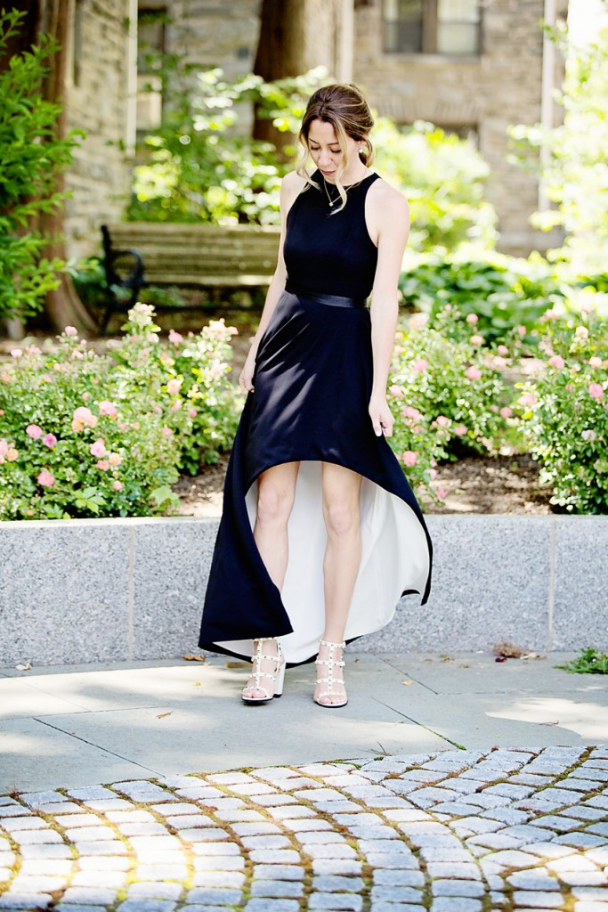 the motherchic wearing halston heritage black tie dress