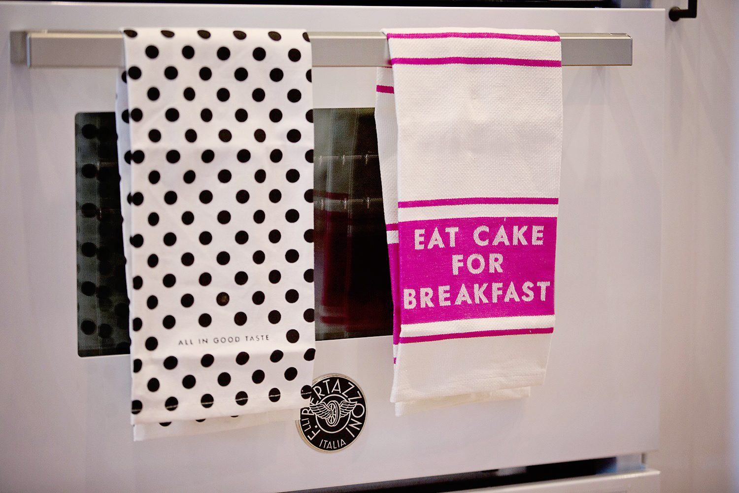 The motherchic oven with kate spade dish towels
