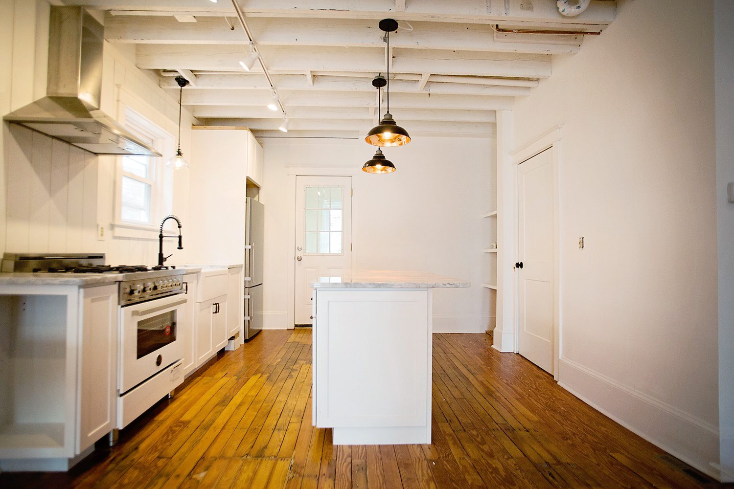 The Motherchic white kitchen industrial chic
