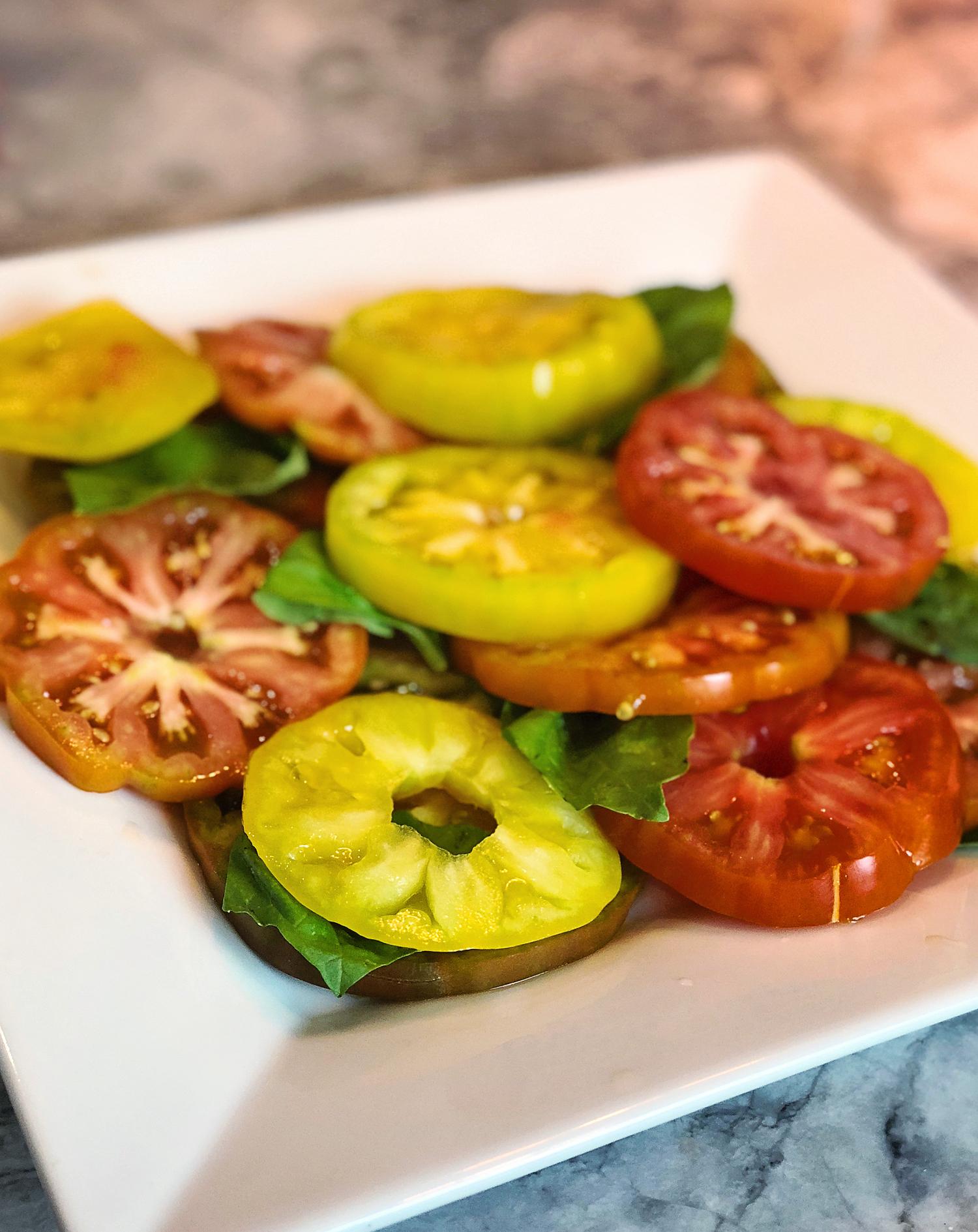 the motherchic tomato salad