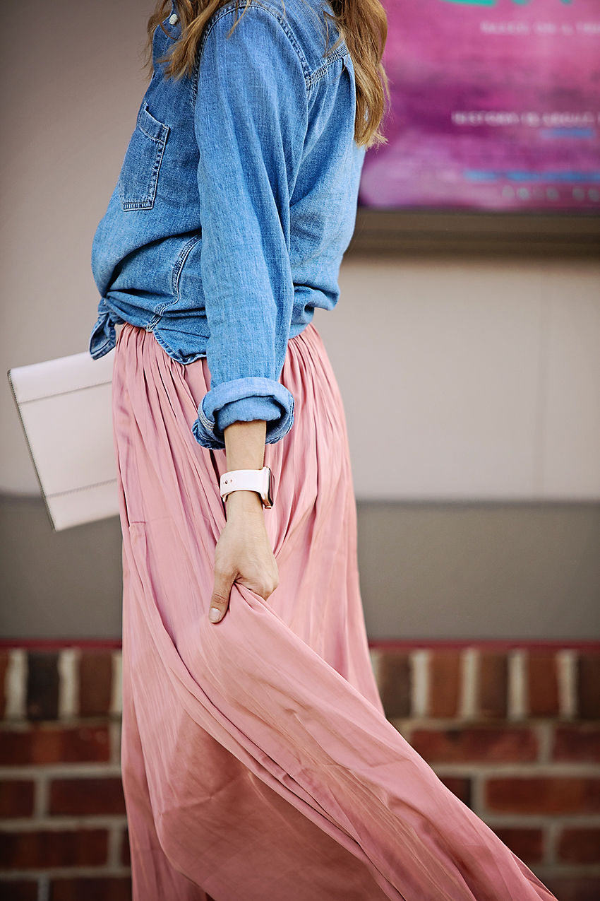 The motherchic wearing j.crew point sur crinkle skirt and chambray