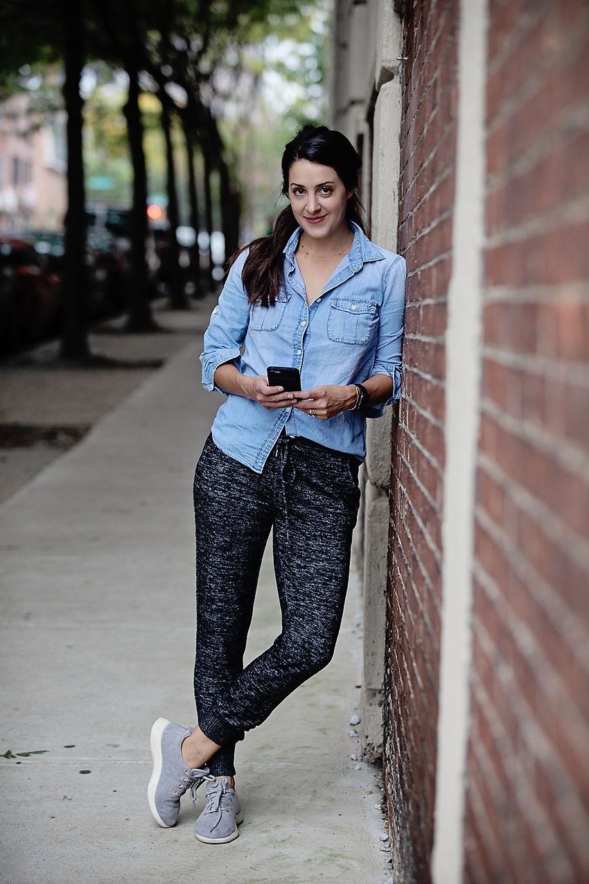 the motherchic chambray top and joggers