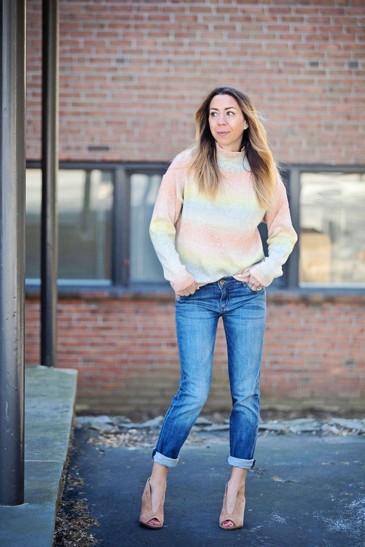 The motherchic wearing Kut from the Kloth boyfriend jeans