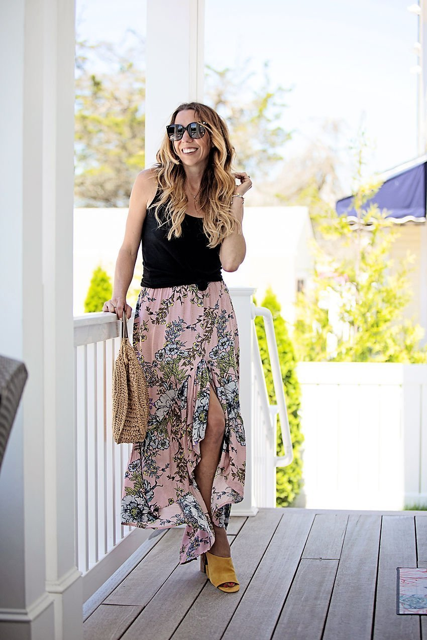 The Motherchic wearing social threads skirt