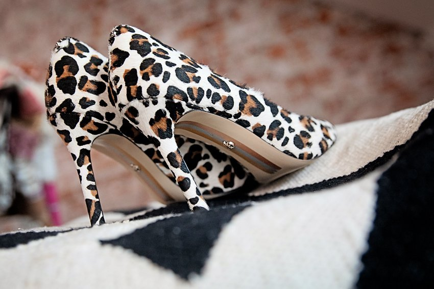 The Motherchic wearing Sam Edelman Hazel Pump