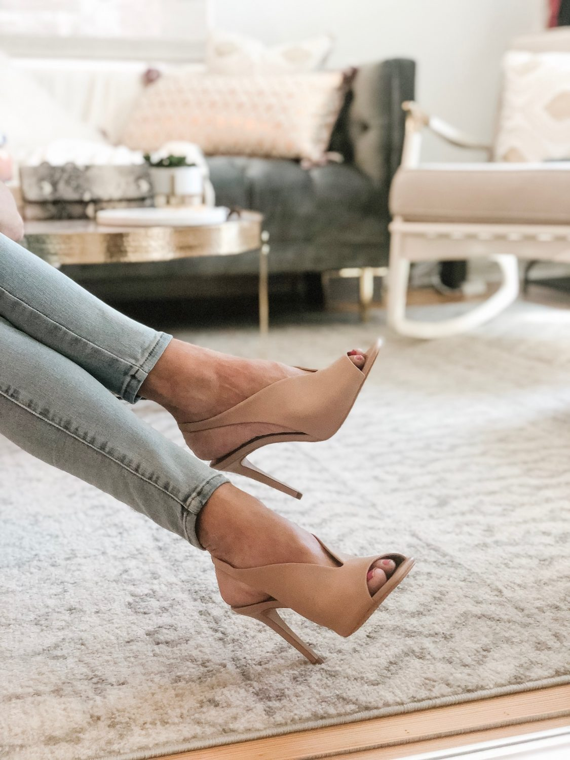 the motherchic wearing vince camuto heels