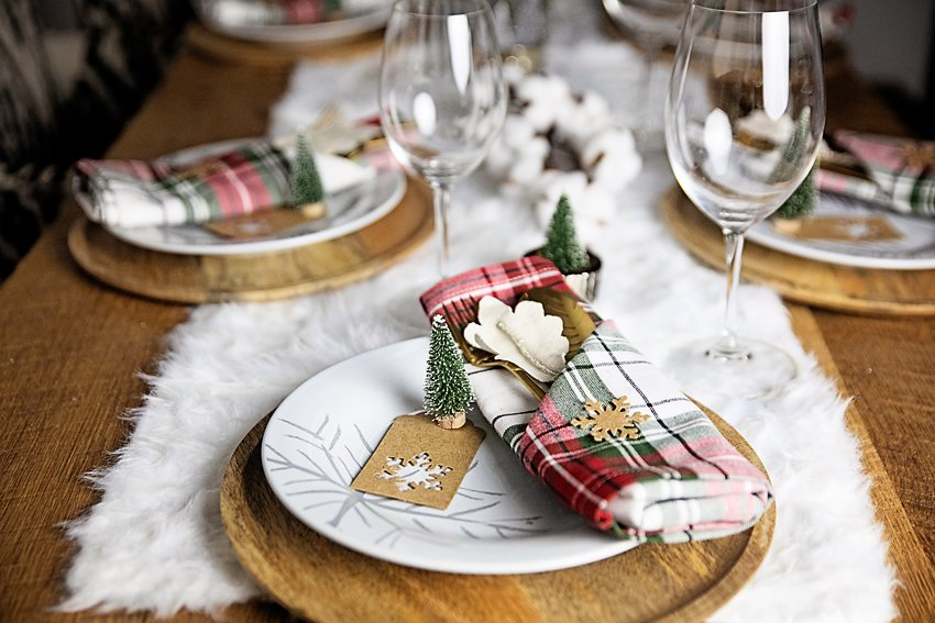 The Motherchic holiday tablescape from amazon