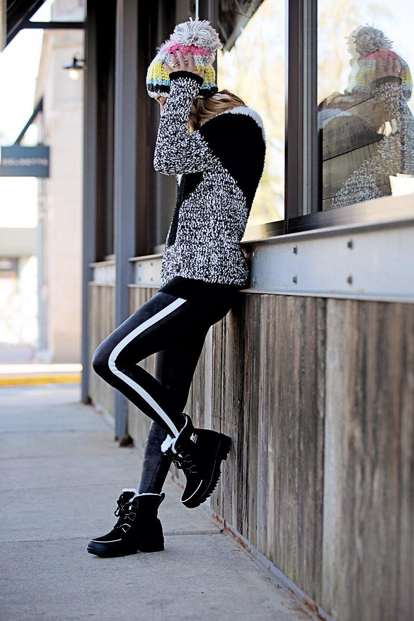 the motherchic wearing spanx leggings sorel boots macys