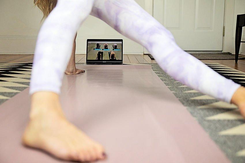 The Motherchic bulldog yoga challenge
