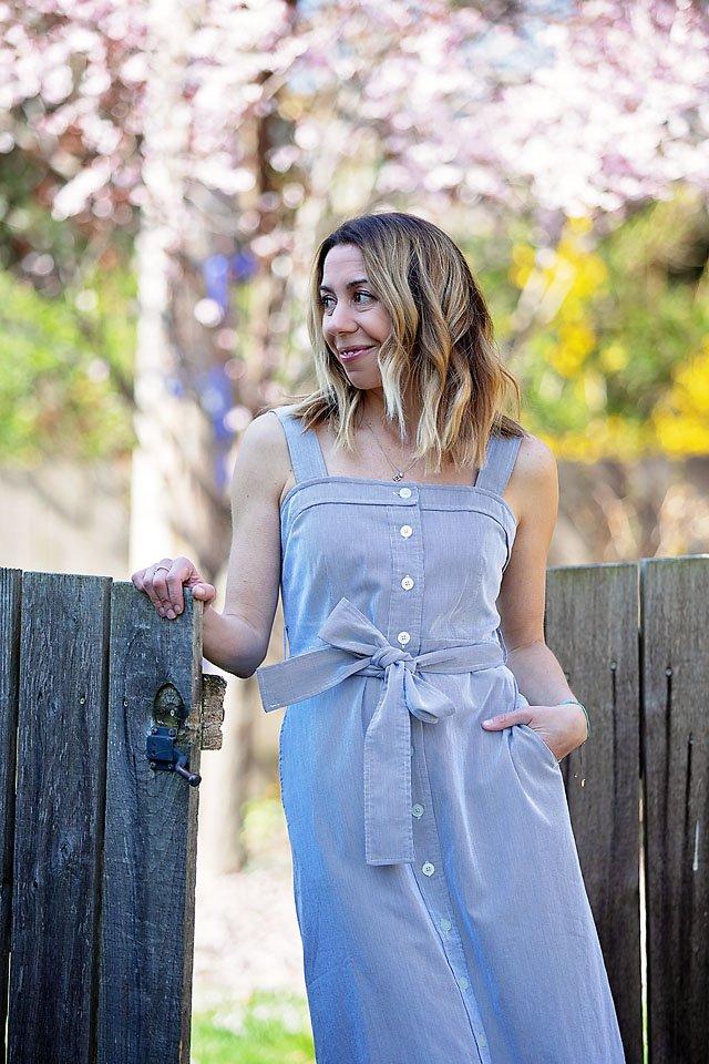 The Motherchic wearing Everlane Dress