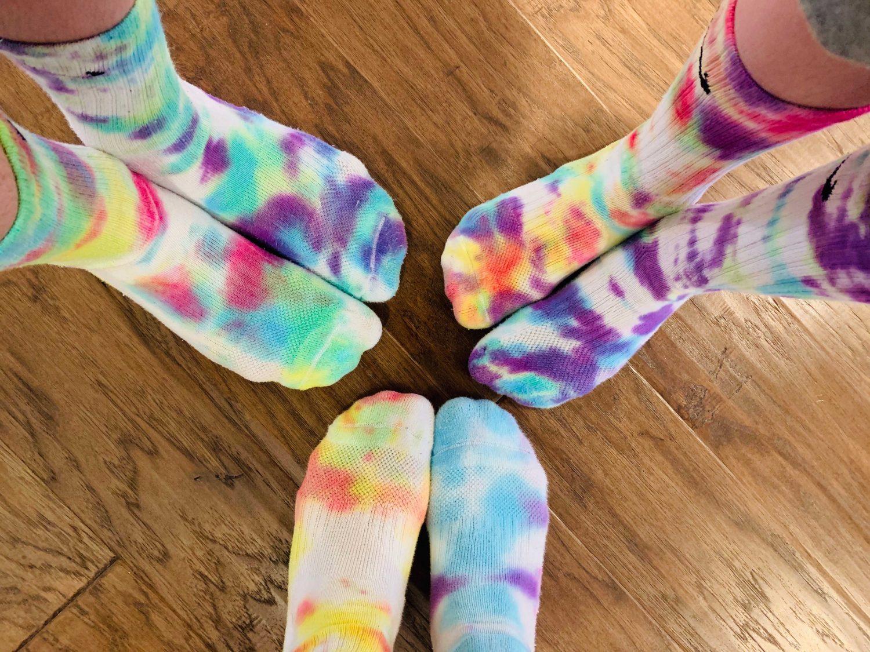 The motherchic tye dye socks
