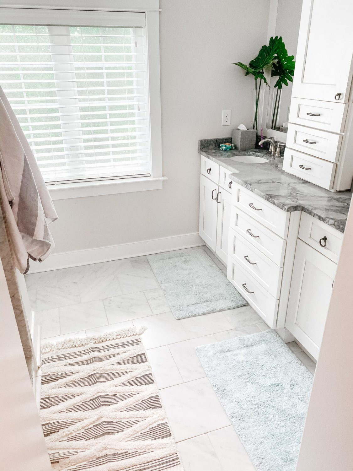 How To Update Your Bathroom Without A Renovation The Motherchic
