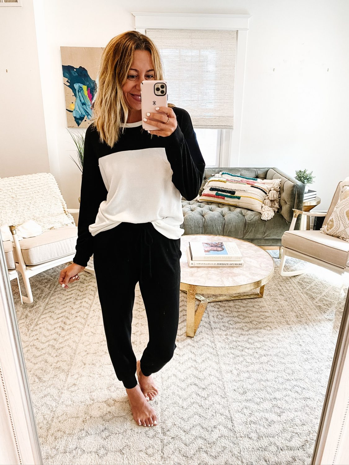 the motherchic wearing gibson cozy nordstrom anniversary sale