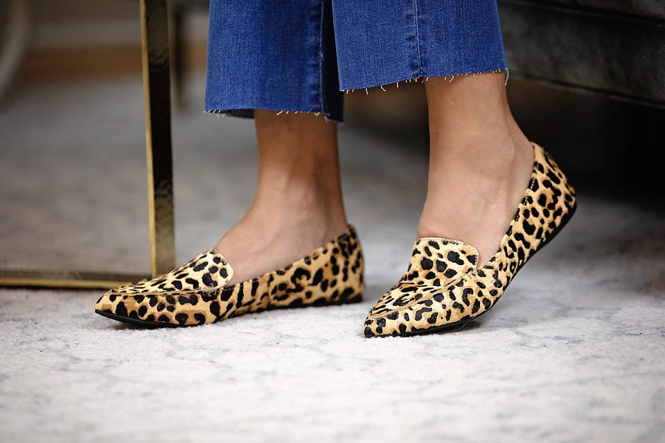 the motherchic wearing steve madden loafer shoe nordstrom anniversary sale