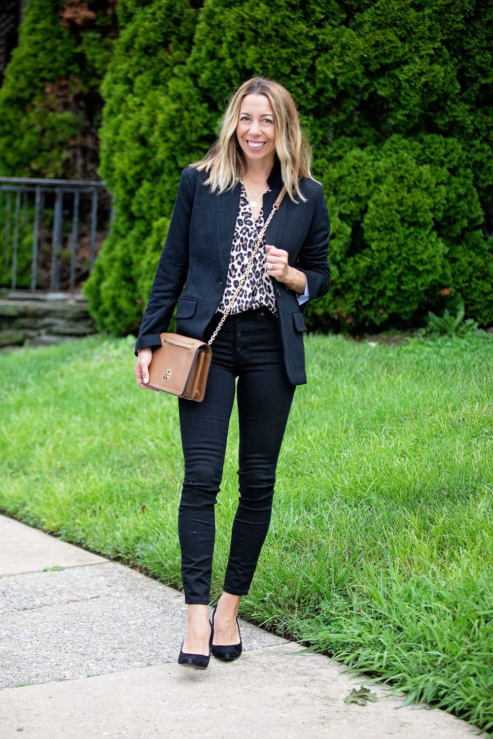the motherchic wearing madewell black jeans gibson blazer