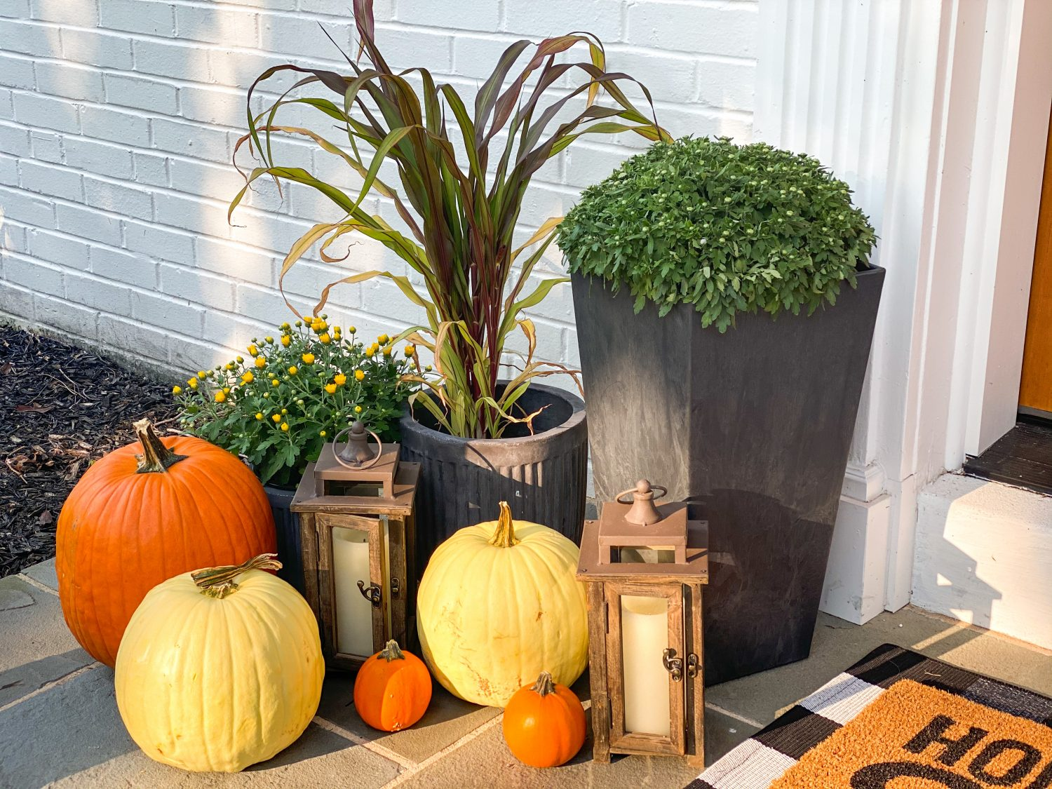 the motherchic fall decor for your front door