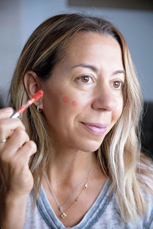 The Motherchic clean makeup form Sephora