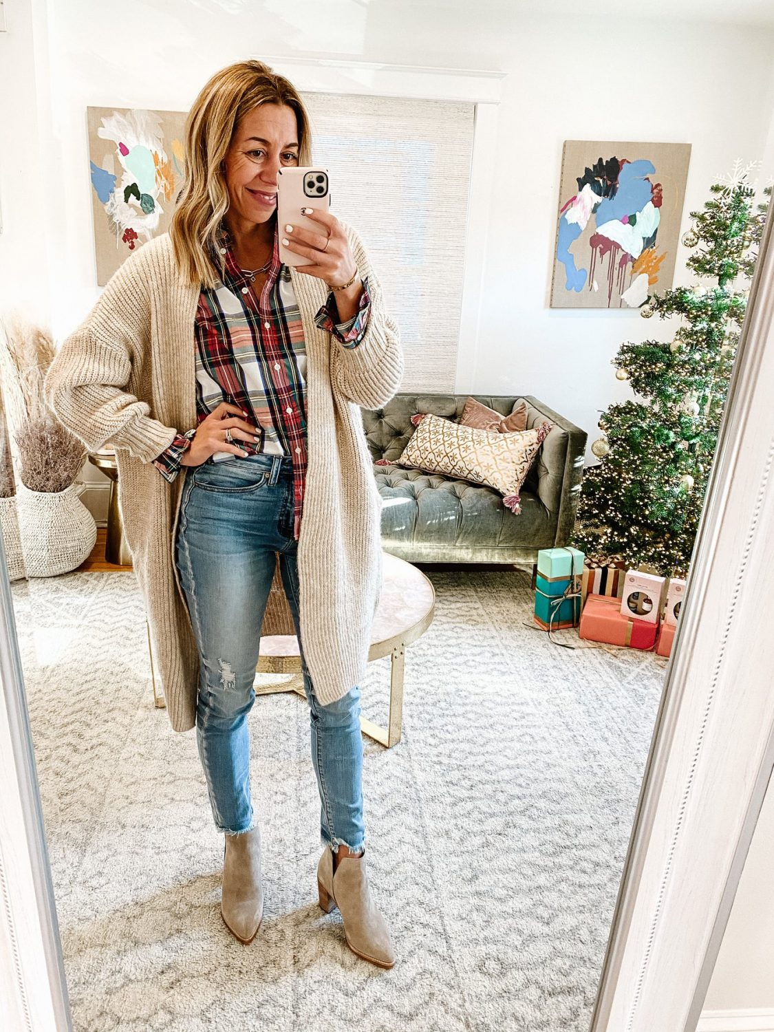 the motherchic thanksgiving outfit jcrew plaid cardigan