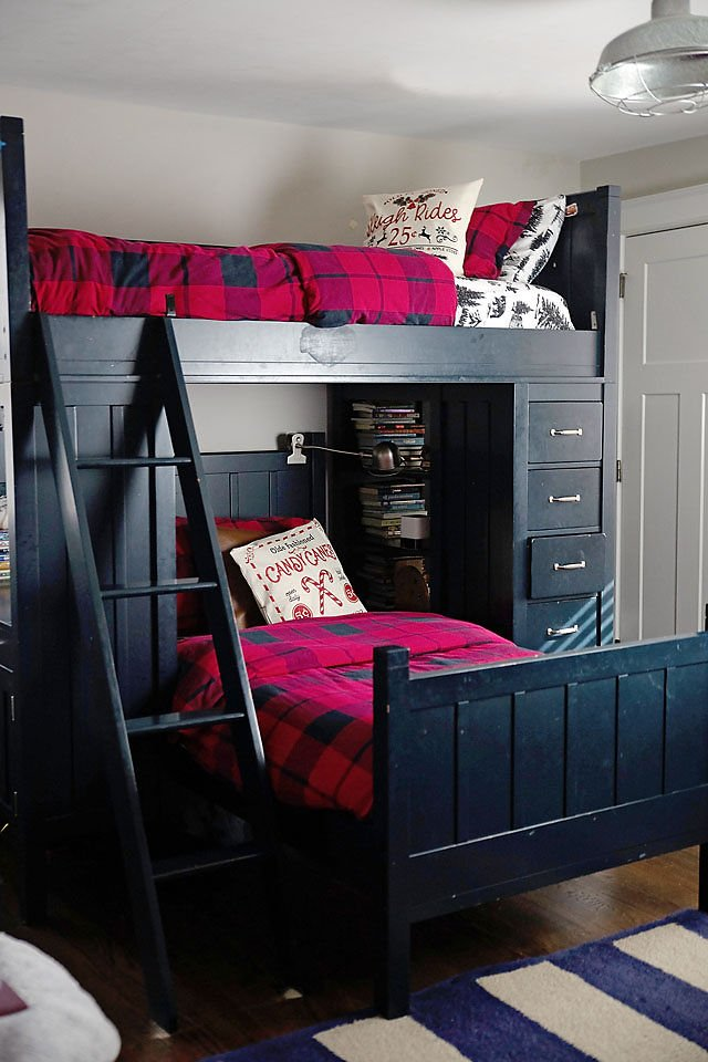 the motherchic holiday bedroom decor bunk bed