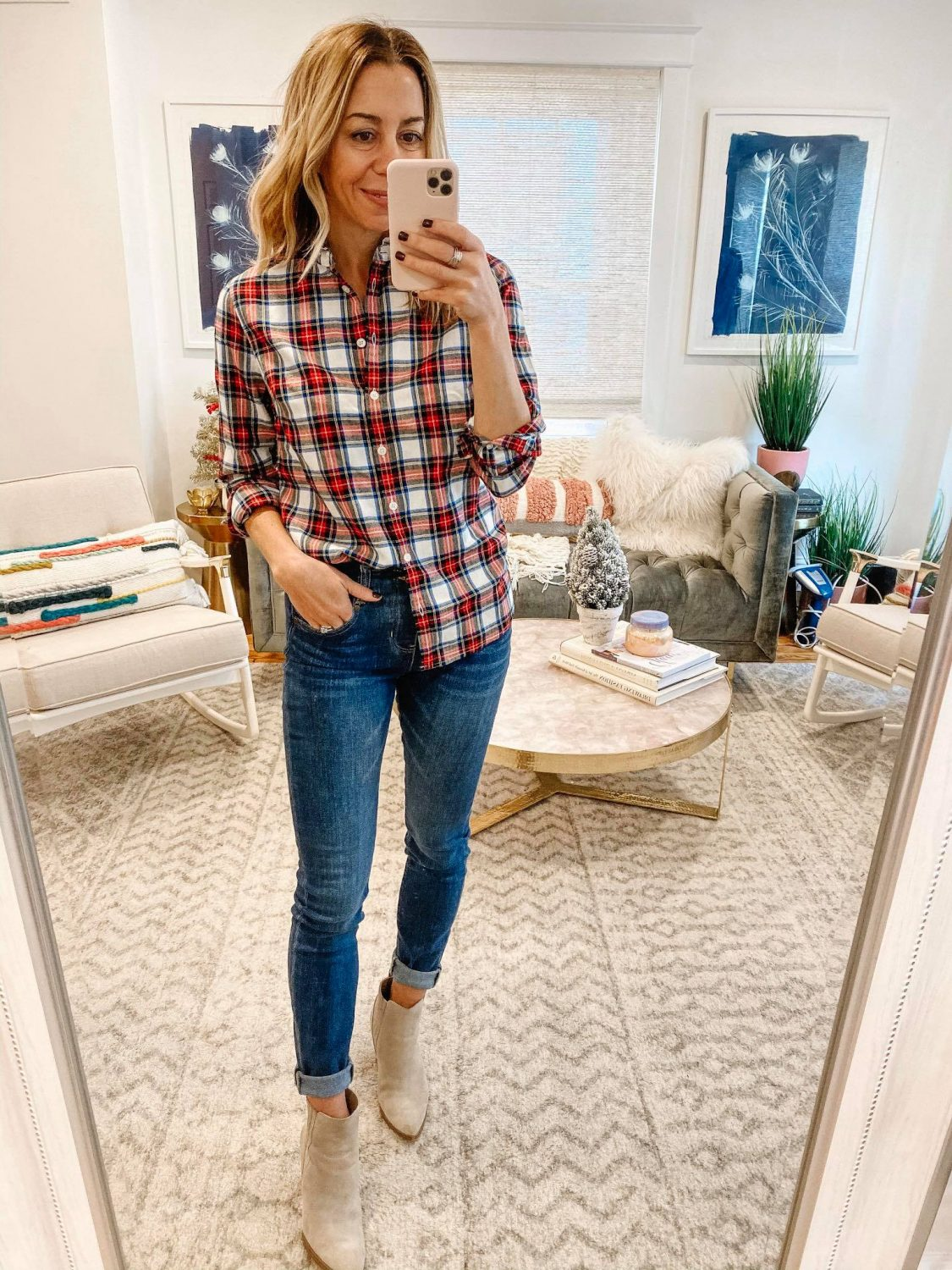 The Motherchic casual holiday outfit