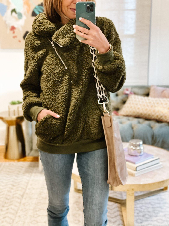 the motherchic wearing  fleece pullover amazon