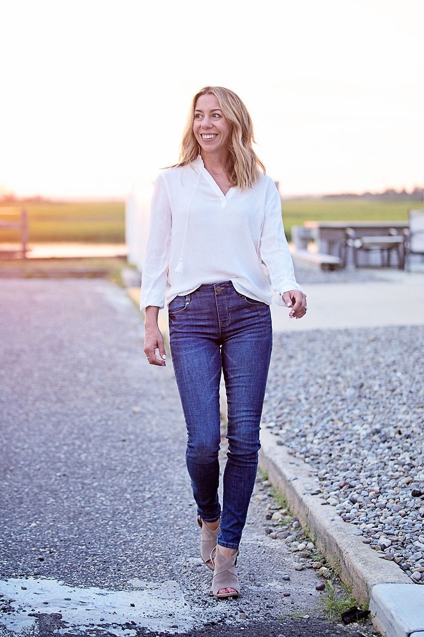 the motherchic wearing liverpool skinny non-distressed jeans