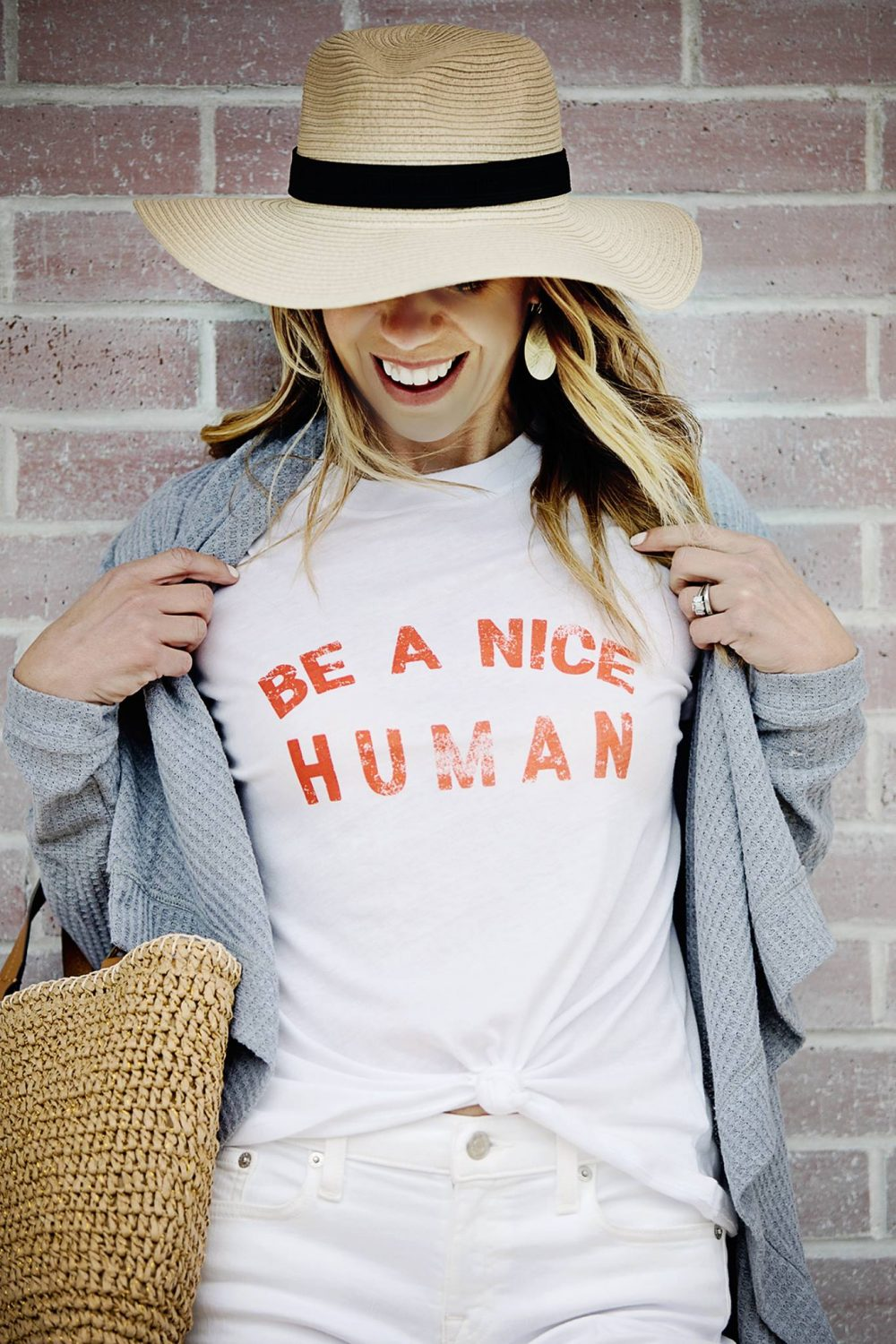 the motherchic wearing graphic tee be a nice human nordstrom