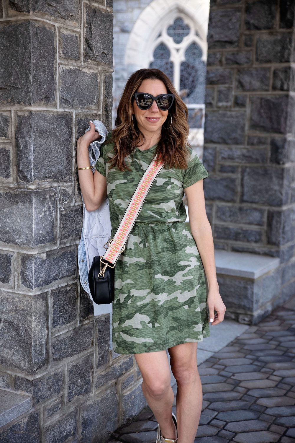 the motherchic wearing throw on and go dresses old navy