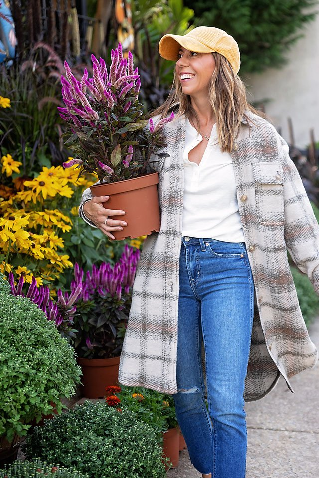 The motherchic wearing GAP fall outfit